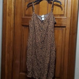 H&M dress with buttons